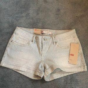 Levi's Jeans Shorts. NWT!